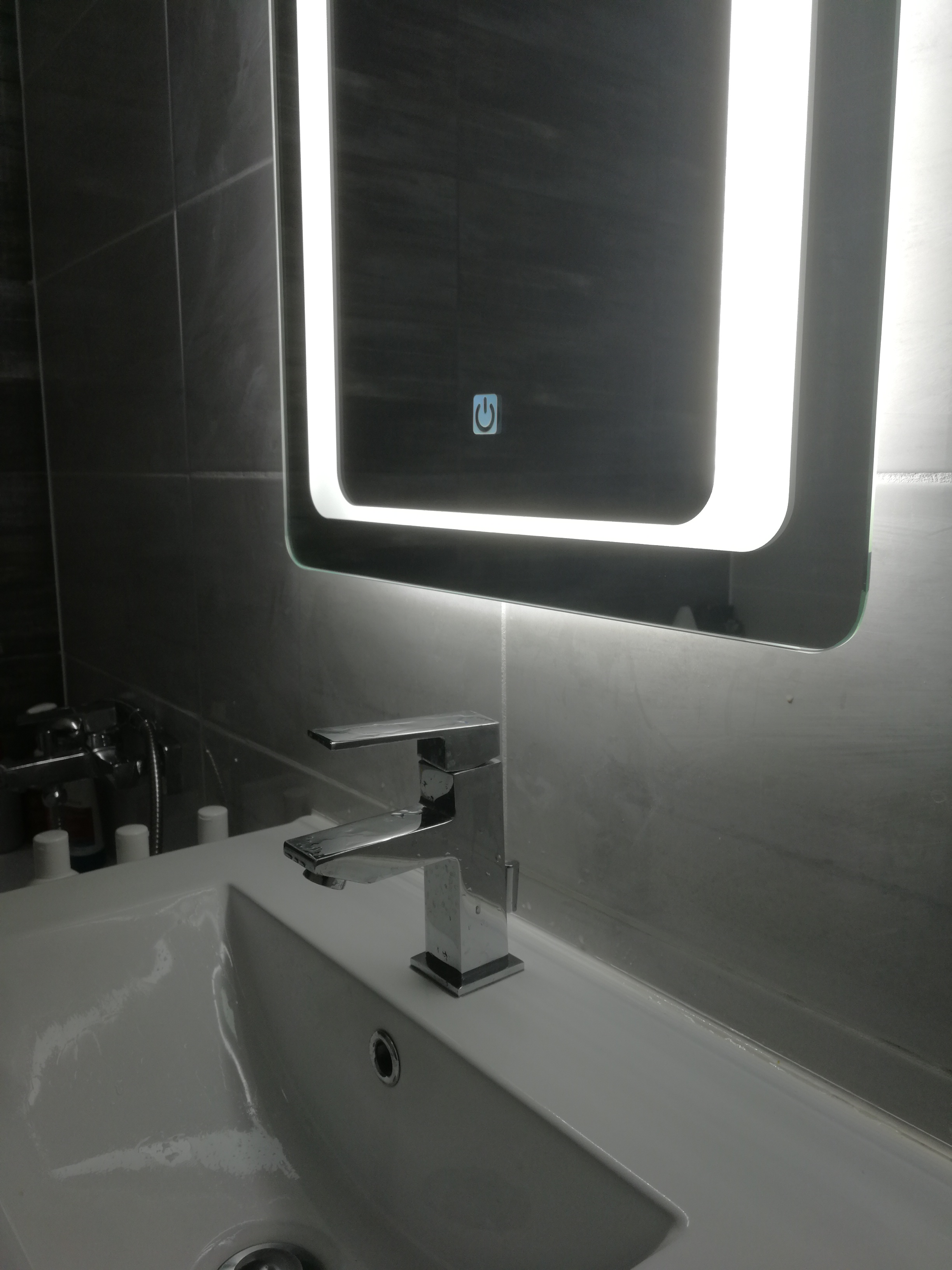 ESMIRA - LED zrkadlo 07